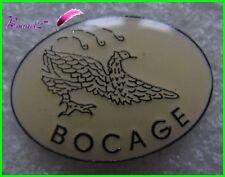Pin's BOCAGE avec un Oiseau Bird Chasse Canard Becasse #G2