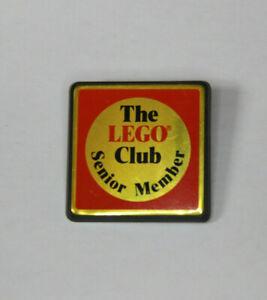 Vintage THE LEGO CLUB SENIOR MEMBER Plastic Pin Badge