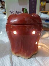 Scentsy Big Apple Red Full Size Warmer Beuatiful
