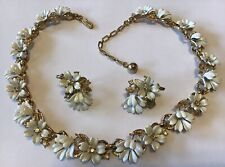 VINTAGE CROWN TRIFARI SIGNED WHITE FLEURETTE FLOWER NECKLACE & EARRINGS