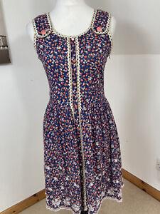 Yumi Fit & Flare Size 12 Purple Sleeveless Pinafore Summer Dress Berry Print
