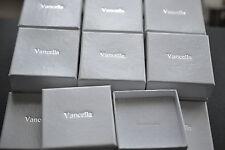 White Jewellery Gift Box for Earrings Ring etc - 60mm x 60mm x 22mm (D.25)