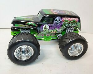 2004 GraveDigger 25th Anniversary Bad to the Bone 1:24 Scale Loose Monster Truck