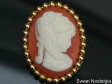 PRETTY VINTAGE 70/80'S RESIN/PLASTIC CAMEO STYLE LADY SCARF CLIP/RING