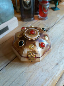 HANDMADE INDIAN ANTIQUE STYLE DOME SHAPE BOX WITH COLOURED STONES