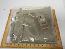 Soft Dockers D3 Classic Fit Pleated Front Beige Dress Pants Size 38 x 30