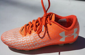 underarmour orange soccer cleats size 1 youth