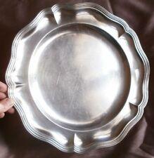 Félix Frères : plat rond en métal argenté ( blanc ) à filets contour chantourné