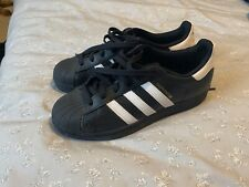 Adidas Superstar Boys  Trainers Size UK 4.5 - Black