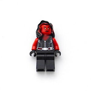 LEGO Red She Hulk Super Heroes 76078 Avengers Authentic Minifigure New