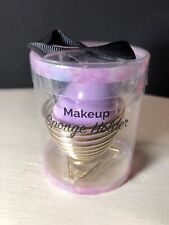 Makeup sponge with drying holder