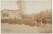 Foto Soldaten Pickelhaube Ringkragen Tarnüberzug Säbel Pferd Uniform Gedenkstein