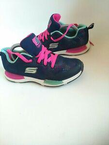 Skechers  girls Trainers Size 2 comfort concept