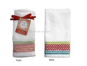 "Dena 2 Pic Set Towel Set Mistletoe Medallion Fingertip Towel 11"" x 18"""