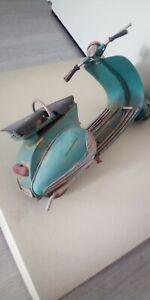scooter Vespa lambretta tole miniature 26 cm style sortie de grange