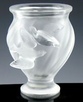 Lalique France Crystal #12260 ROSINE PAIR TURTLE DOVES BIRDS VASE Mint