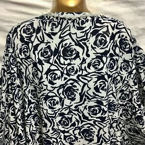 *NEW*L/weight Smooth Polyester Full Roses Print Dress/Craft Fabric*FREE P&P*