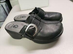 Crocs Women's Cobbler Buckle Mule Clog Black Leather Size 5 15513