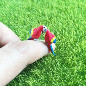 2 Mini Miniature Dollhouse Red Yellow Blue Macaw Parrot Birds Decor Collectibles