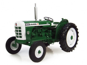UNIVERSAL HOBBIES 4008 1/16 SCALE OLIVER 600 DIECAST MODEL TRACTOR