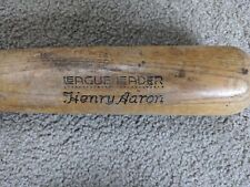 "HENRY ""HAMMERIN HANK"" AARON - H&B League Leader Wood Bat Signature 33 1/2"""