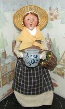 Byers Choice Williamsburg Harvest Woman w Basket and Crock 2008 *