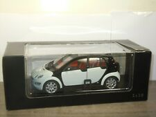 Smart Forfour - Kyosho 1:18 in Box *43181