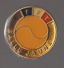 Badge FFT / Fédération Francaise de Tennis / Balle jaune