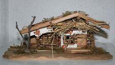 Krippe Weihnachten Holz 30,5 cm x 13 cm x 13 cm Gebäude re Stall li Krippenstall