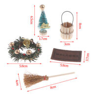 1/12 Puppenhaus Miniatur Weihnachtsbaum Kranz Besen Teppich Eimer Accessor QWXUI