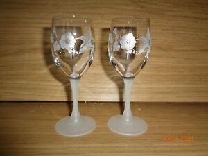 2 AVON LEAD CRYSTAL HUMMINGBIRD SHERRY GLASSES WITH FROSTED STEMS