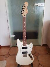 Fender Mustang E-Gitarre mit Stimmautomatik + Koffer