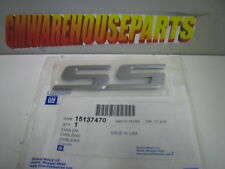 """2003-2006 SSR TAIL GATE SILVER """"SS"""" EMBLEM """"R"""" SOLD SEPARATELY NEW GM  15137470"""