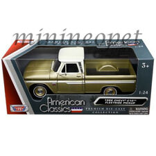 Motormax 73355 1966 Chevrolet C10 Fleetside Pickup Truck 1/24 Diecast Gold