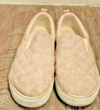 Old Navy, Girl's light tan colored quilted pattern slip on canvas shoe, Size 1