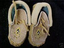 NATIVE BEADED CHILDS MOCCASINS L@@K NICE BEADWORK 51/2 INCHES
