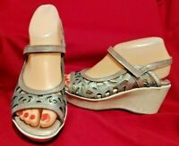 Naot Sandals Deluxe Wedge Cutout Women's Sz 36 -US 5-5.5 Silver Metallic Leather
