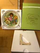 """Vintage 5"""" Diameter Avon 1983 Mother's Day Plate - """"Love is a Song For Mother"""""""