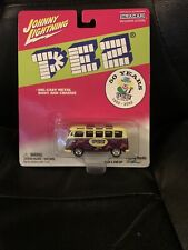 JOHNNY LIGHTNING - PEZ - 50 YEARS - VOLKSWAGEN SAMBA BUS - 1/64 DIECAST