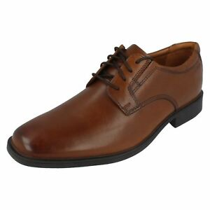 Clarks Tilden Plain Hombre Oscuro Cuero Marrón Cordones Zapatos Ajuste G (R13A)