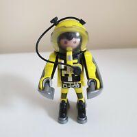 Playmobil 4747 Yellow Astronaut Complete