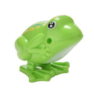 1x Wind up Frog Plastic Jumping Animal Classic Educational Clockwork Toy FuyuBI