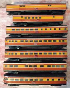 HO SCALE ATHEARN Southern Pacific Streamlined Daylight cars- and Tail Signboard!