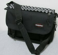 EASTPAC DELEGATE MESSENGER SHOULDER BAG ! GREAT