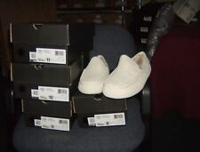 Men's Ugg Ascot slippers in white on white sz 10