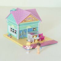 Polly Pocket Bluebird Vintage Beach Cafe - COMPLETE with Figures - Pollyville