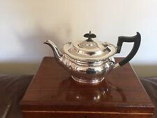 LOVELY SILVER PLATED TEA POT ON A RAISED FOOT & BEADED BORDER    (SPTP 5522)