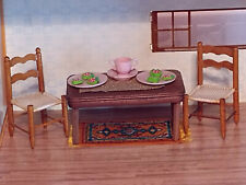 VINTAGE STROMBECKER DOLLHOUSE WOODEN TABLE 2 KITCHEN CHAIRS PINK PLASTIC DISHES!