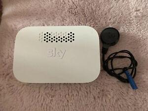 Sky Q Wireless WiFi Booster - Model EE120
