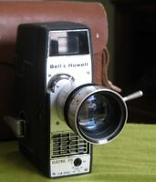 1958 Bell & Howell 8mm Electric Eye Zoom Movie Camera w/ Case, Manual RUNS 310F